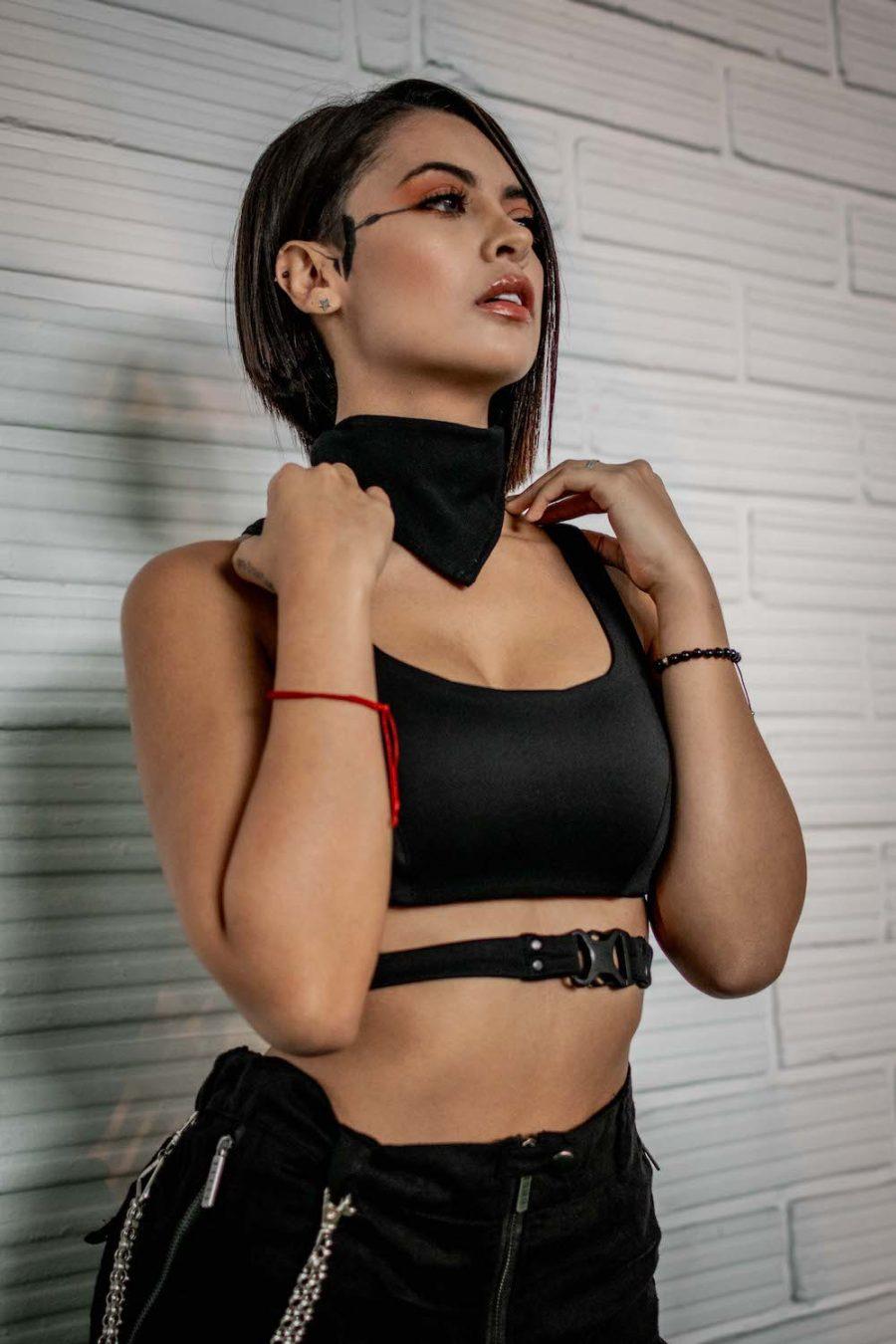 Pañoleta negra mujer