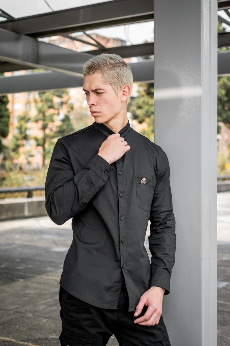 Camisa Black Basic Larga